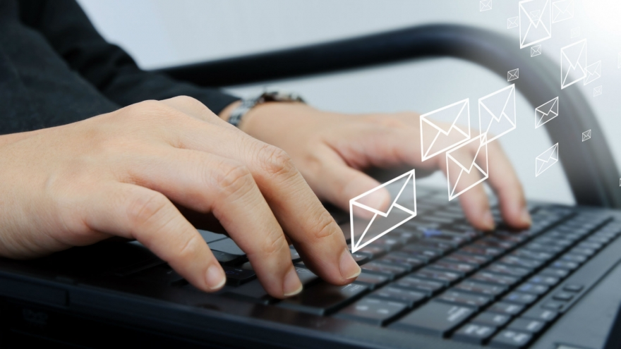 "New Year's Resolution ""Use Email More Effectively"""